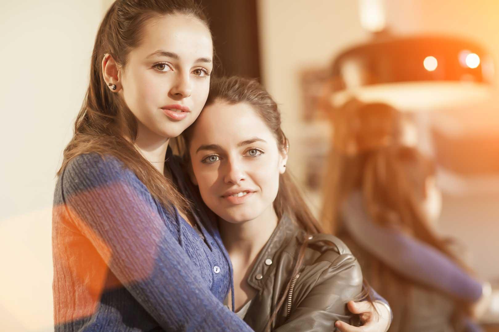 Matilde Gioli e la sorella