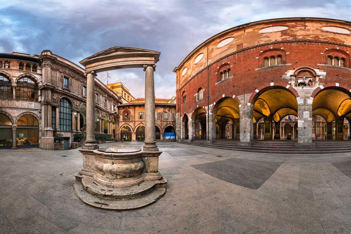 piazza-mercanti-milano