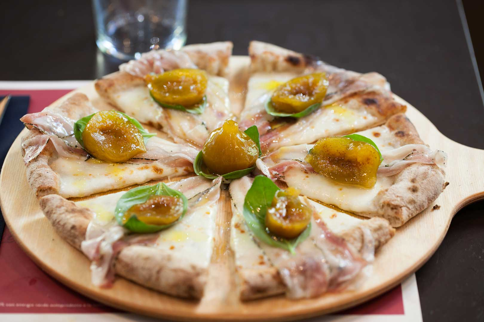 Risultati immagini per pizza gourmet