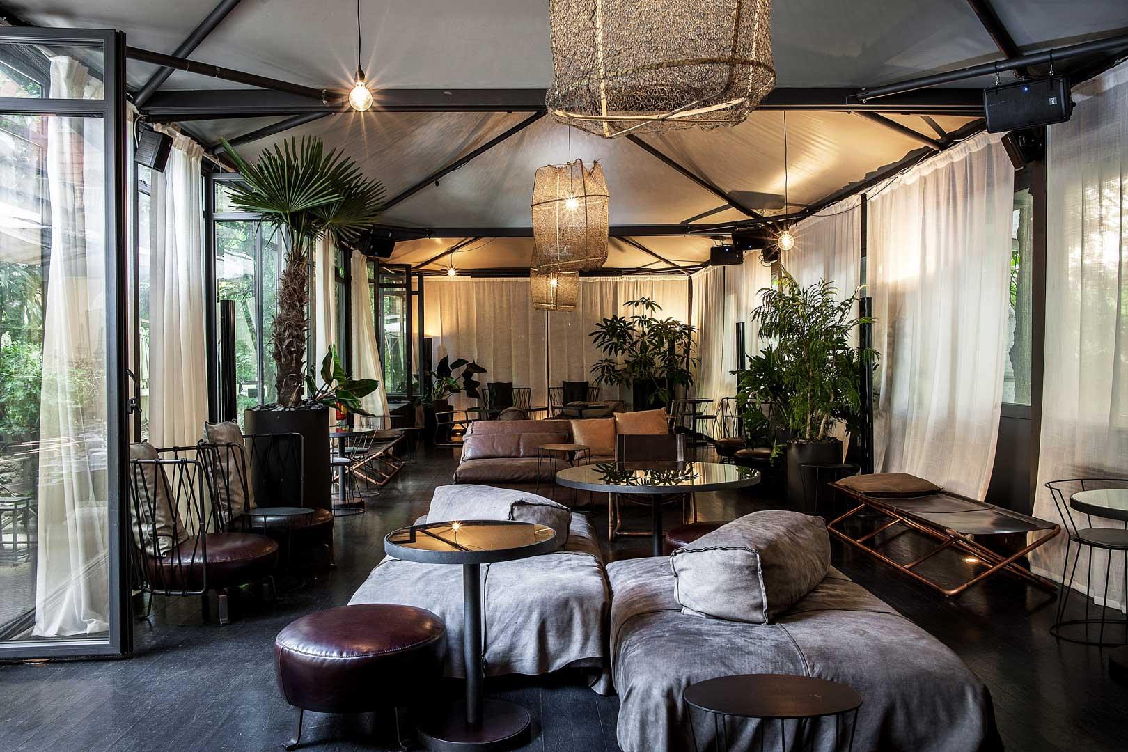 I 5 aperitivi nei giardini degli hotel pi in voga di milano for Hotel manin milano