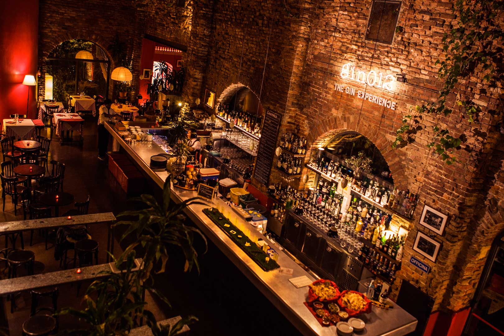 The 5 best cocktail bars on the naviglio grande flawless for Best bars milano