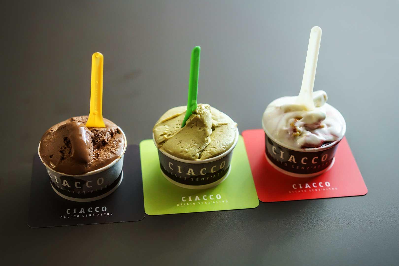 Ciacco gelato senz'altro - Via Spadari, Milano.