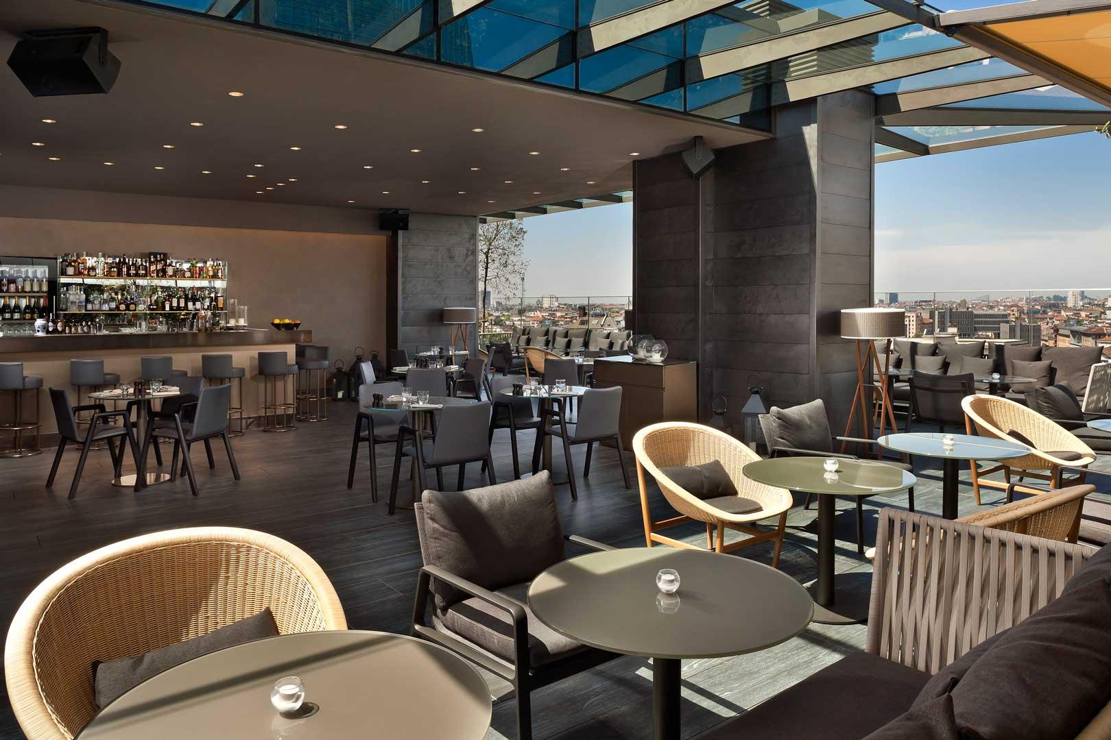 Radio Rooftop bar - ME Milan il Duca Hotel
