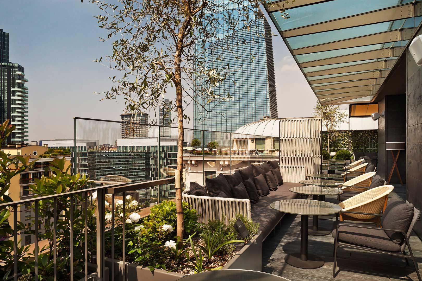 Radio Rooftop Bar Me Milan Il Duca Flawless Milano