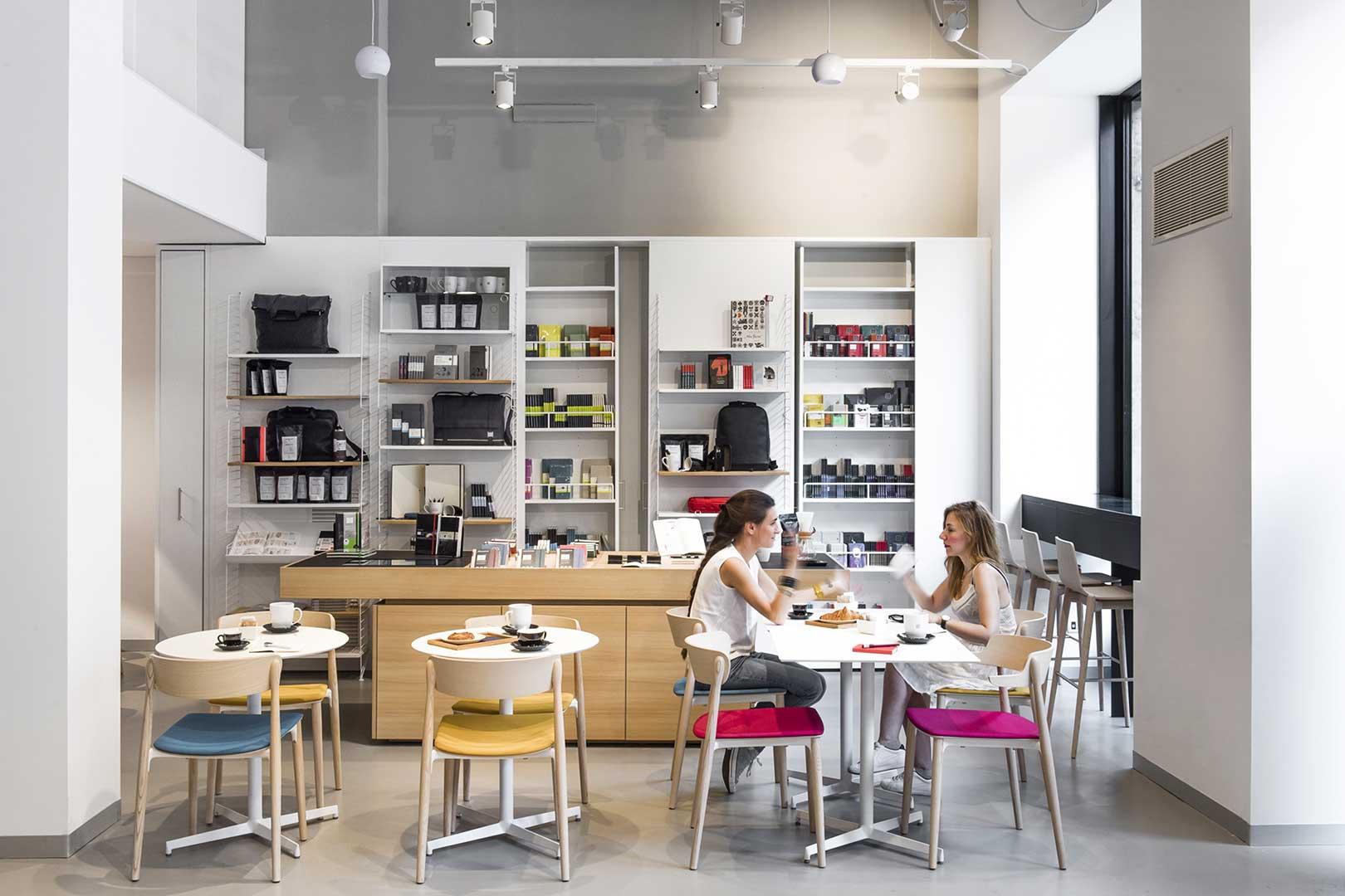 Moleskine Cafe Milano Tables