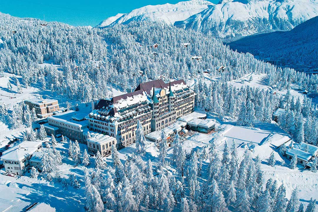 5 destinations for skiing near milan flawless milano for Hotels 2 alpes