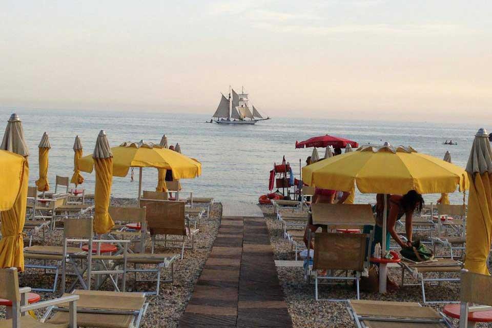 Bagni Blu Beach Vado Ligure : Bagni blu beach vado ligure idee di design per la casa