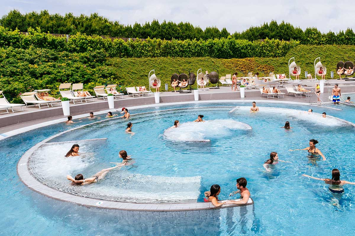 Piscine all 39 aperto a milano e dintorni flawless milano for Idee per party in piscina