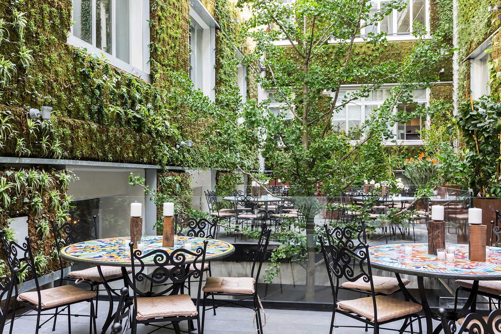 The 10 best restaurants with open courtyards in milan for Ristoranti design