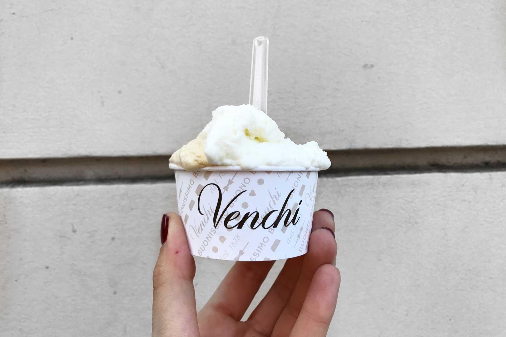 Gelateria Venchi - Coppetta Caramello salato e Fiordilatte