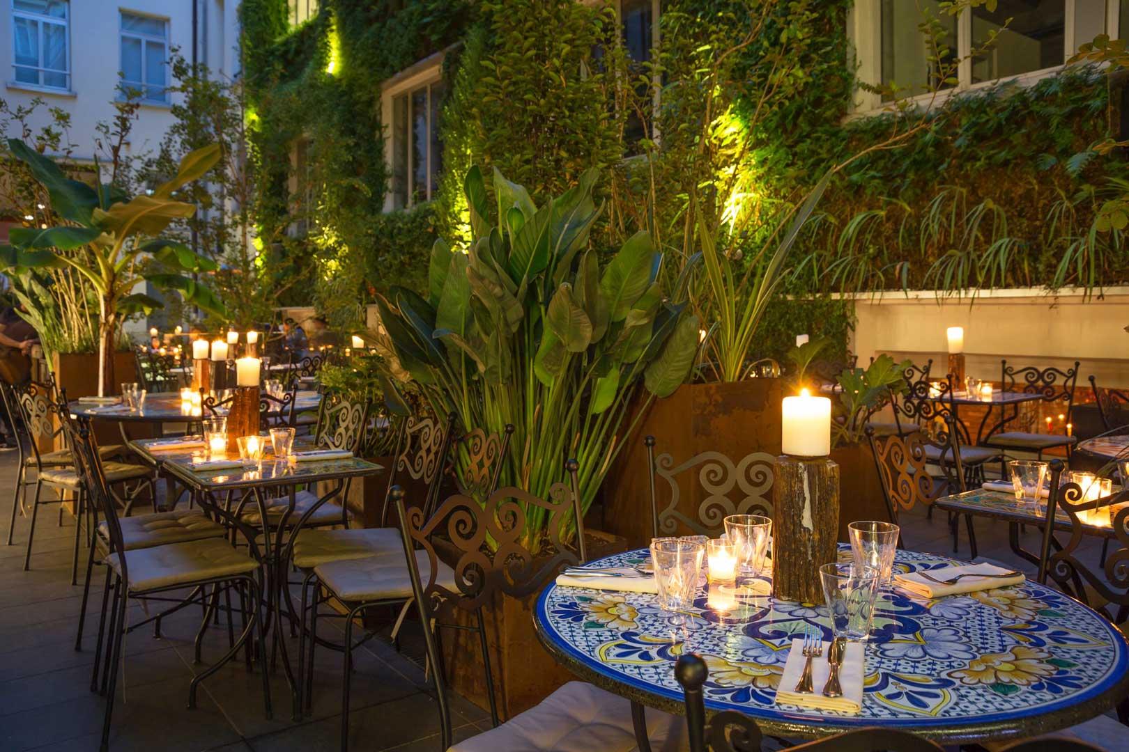 i-10-migliori-ristoranti-con-cortile-di-milano-canteen
