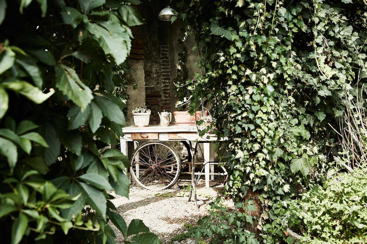 Restaurants with a garden in the outskirts of Milan