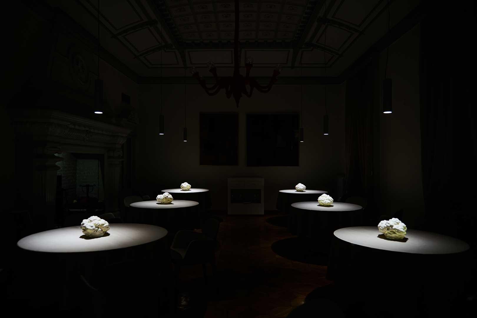 Contraste - Tavoli Nuvole   Guido de Bortoli