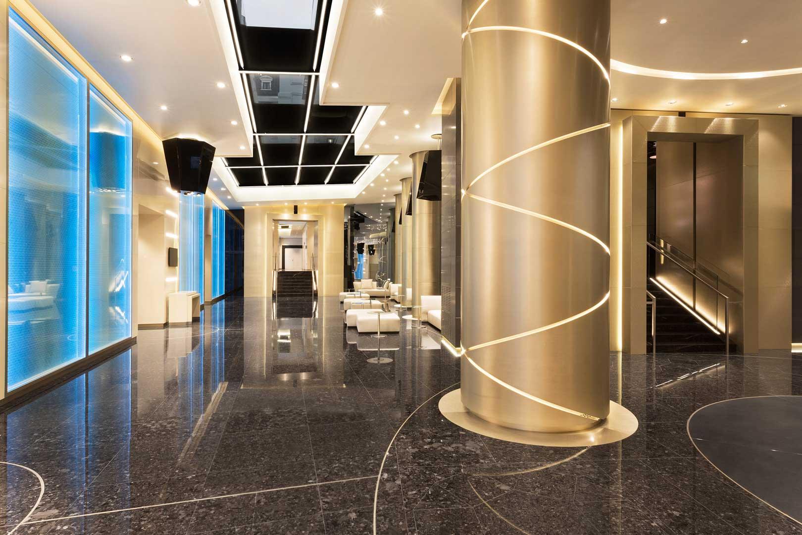 excelsior-hotel-gallia-foyer