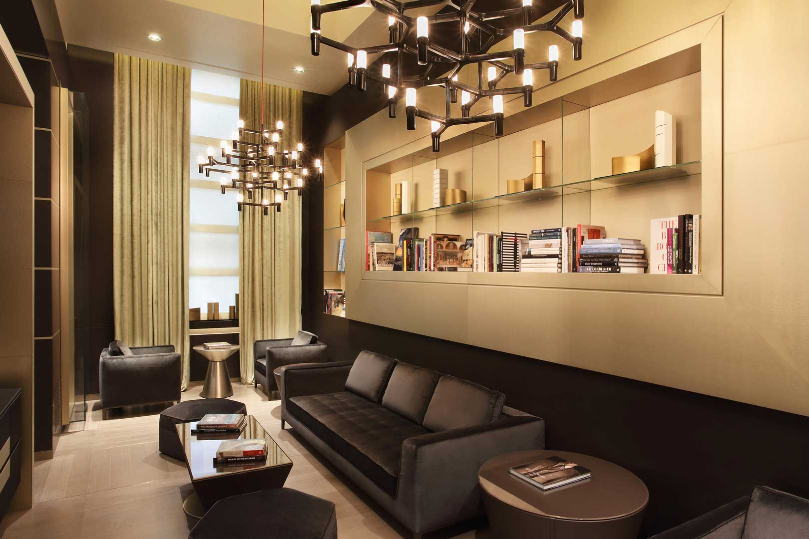 Excelsior Hotel Gallia | Library