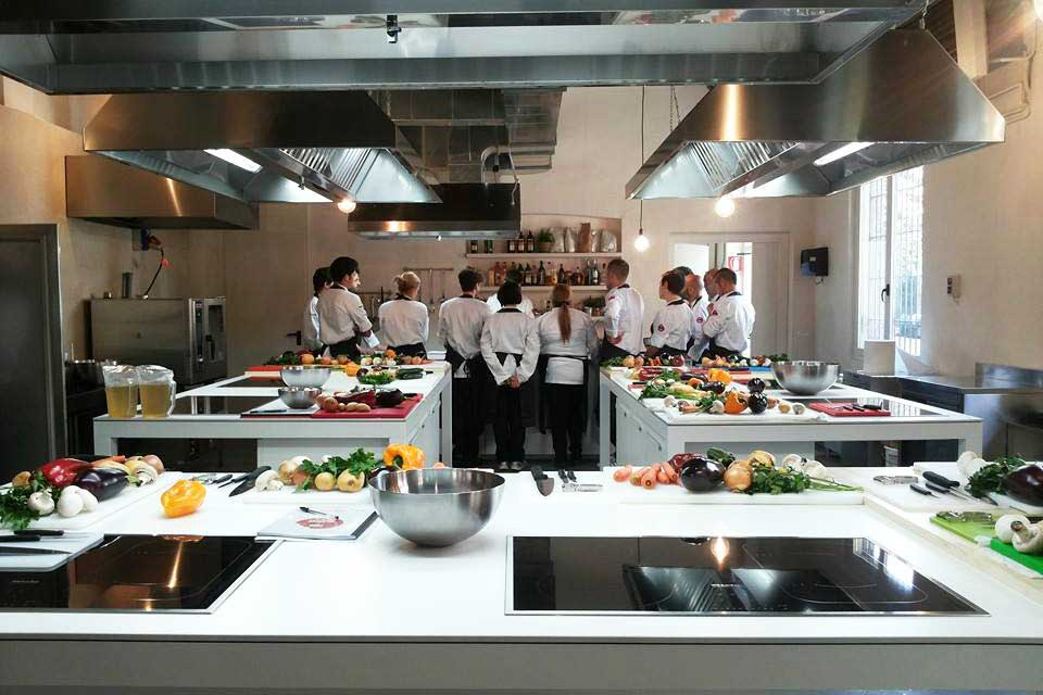 Cooking schools in milan flawless milano the lifestyle - Corsi cucina milano cracco ...