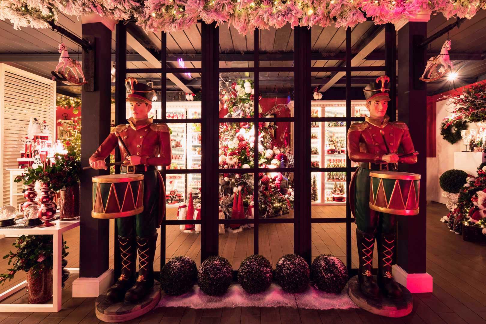 10 indirizzi per regali di natale originali flawless milano for Regalo tavolo milano