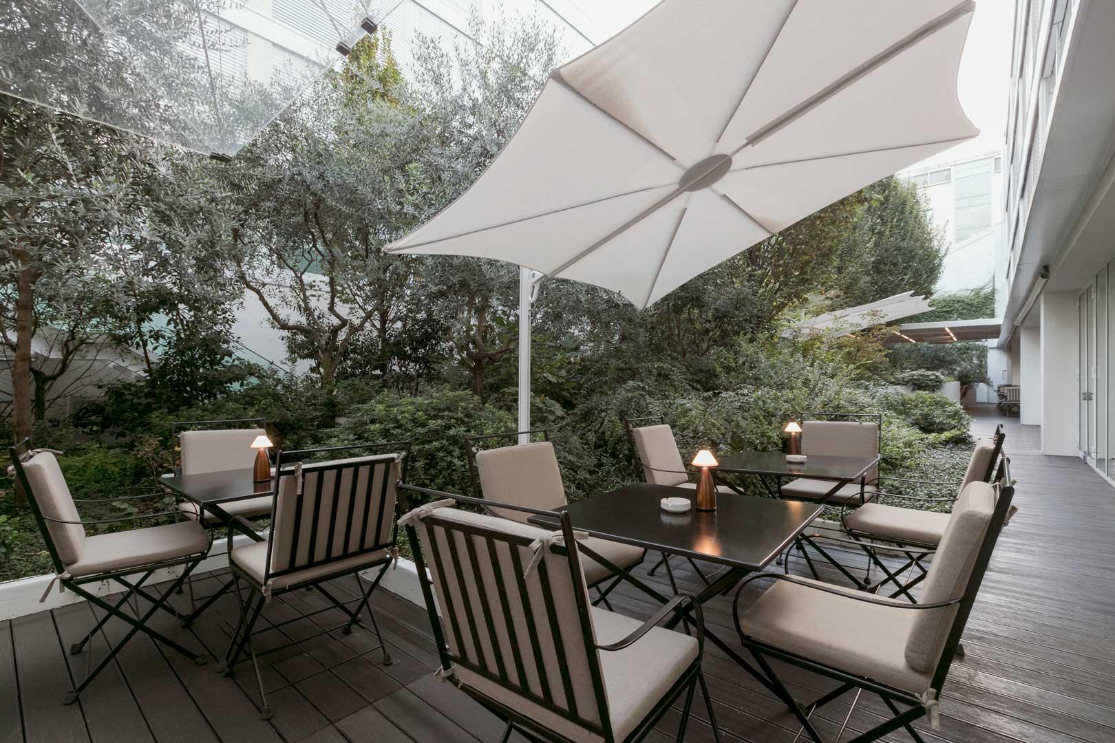 I 5 giardini all'interno degli hotel più belli di Milano