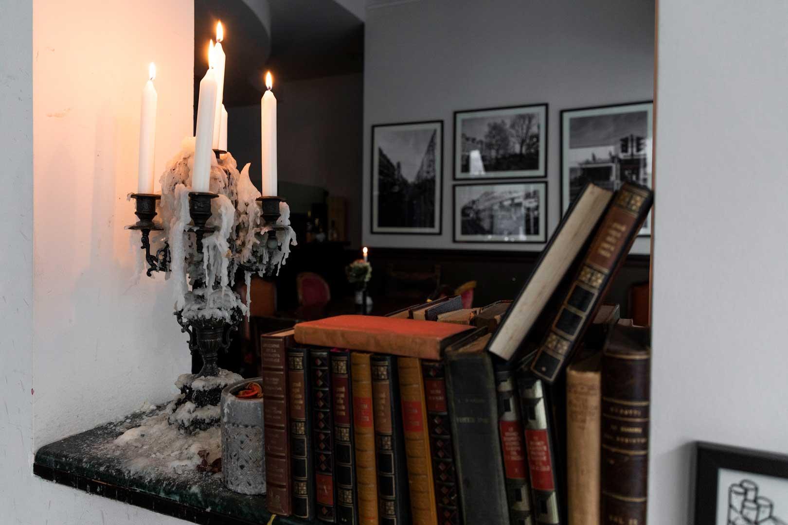lo-spirito-british-del-kilburn-candelabro