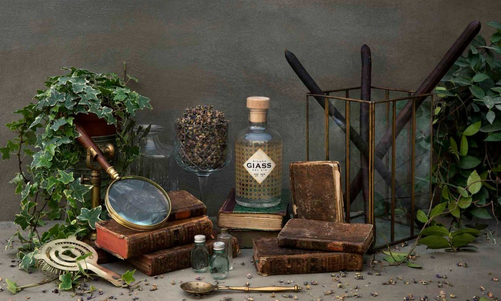 Il primo gin tonic milanese a domicilio con GIASS