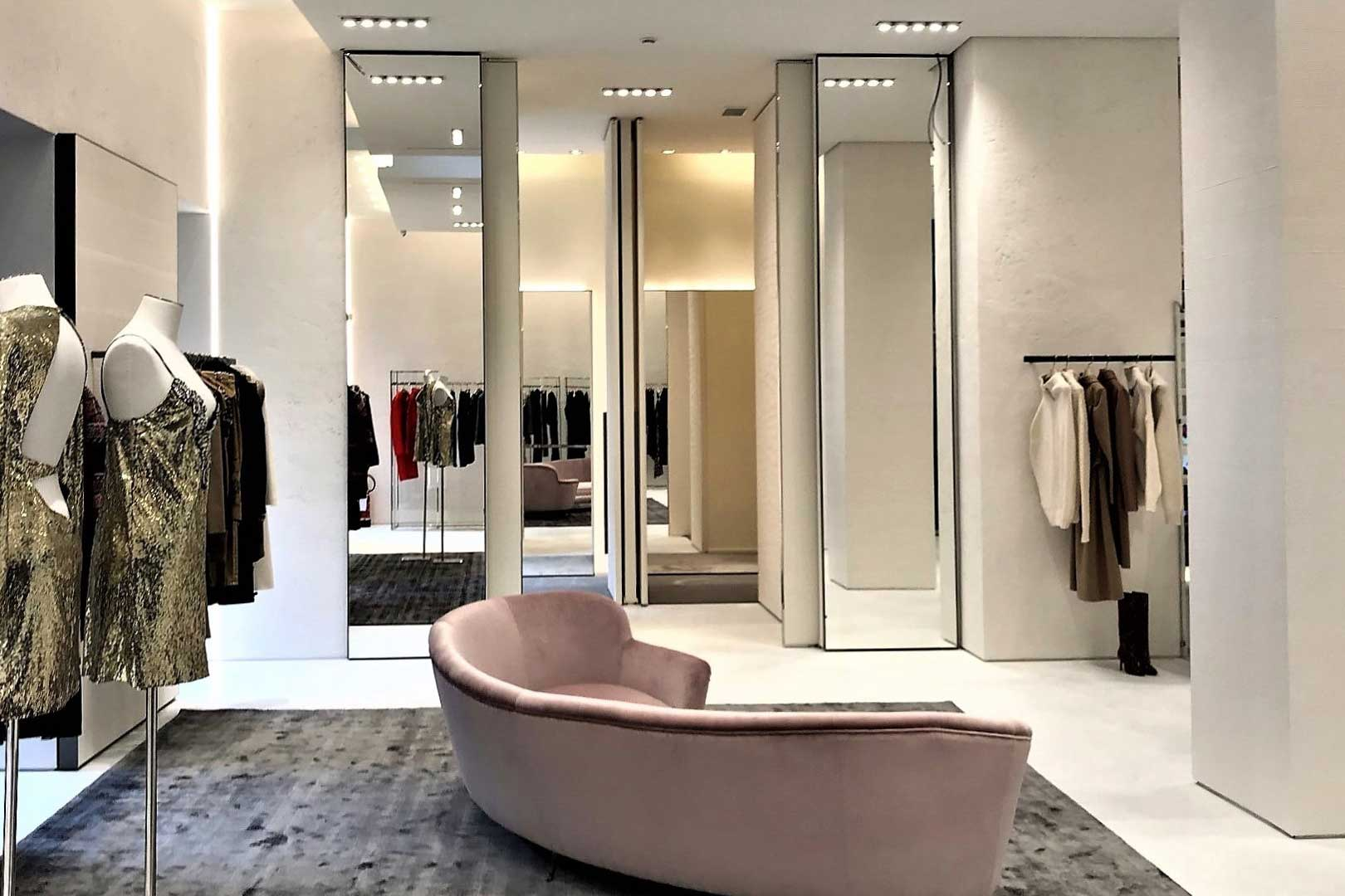 cheap for discount ed2b2 f59bf Gio Moretti | Flawless Milano - The Lifestyle Guide